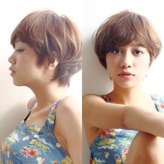 小顔ショート 外国人風 ナチュラル 大人カジュアル ヘアスタイルや髪型の写真・画像