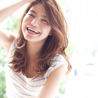ストリート かき上げ前髪 前髪あり 外国人風 ヘアスタイルや髪型の写真・画像