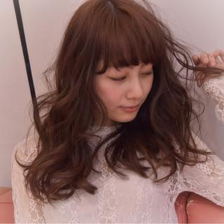 ニュアンス セミロング パーマ ガーリー ヘアスタイルや髪型の写真・画像