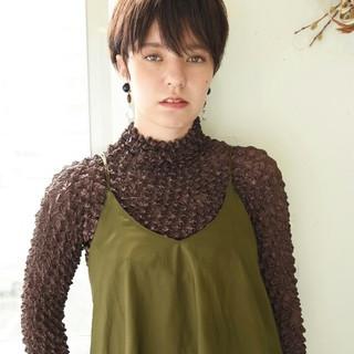 秋 透明感 ショート ナチュラル ヘアスタイルや髪型の写真・画像 ヘアスタイルや髪型の写真・画像