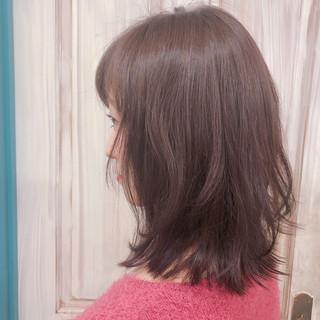 外国人風 ミディアム ヘアアレンジ オフィス ヘアスタイルや髪型の写真・画像