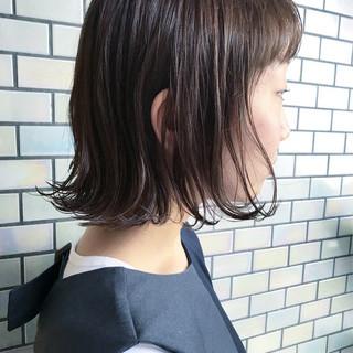 ワンカール 外ハネ 切りっぱなし 内巻き ヘアスタイルや髪型の写真・画像