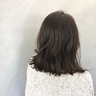 外ハネ ロブ ナチュラル ボブ ヘアスタイルや髪型の写真・画像