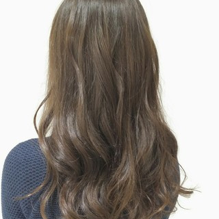 暗髪 外国人風 ナチュラル セミロング ヘアスタイルや髪型の写真・画像 ヘアスタイルや髪型の写真・画像