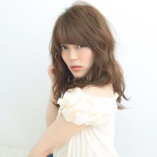 愛され 小顔 フェミニン おフェロ ヘアスタイルや髪型の写真・画像