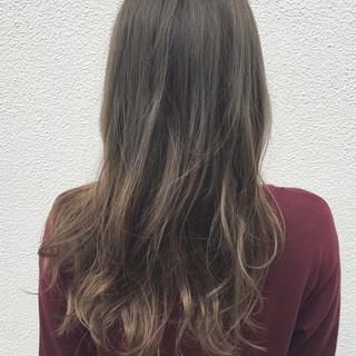 セミロング デート 透明感 ハイライト ヘアスタイルや髪型の写真・画像