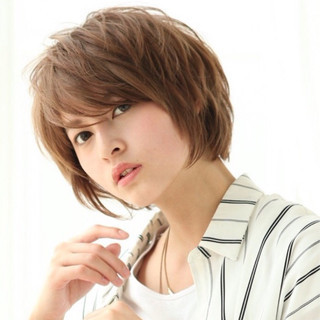ショート パーマ 色気 ニュアンス ヘアスタイルや髪型の写真・画像