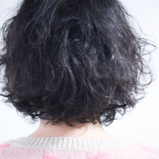 パーマ 無造作パーマ  ナチュラル ヘアスタイルや髪型の写真・画像