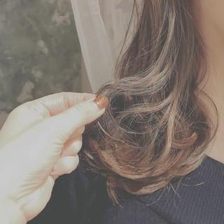 フェミニン こなれ感 ゆるふわ 冬 ヘアスタイルや髪型の写真・画像
