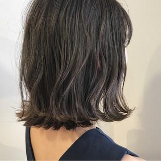 外ハネ ボブ 切りっぱなし 透明感 ヘアスタイルや髪型の写真・画像