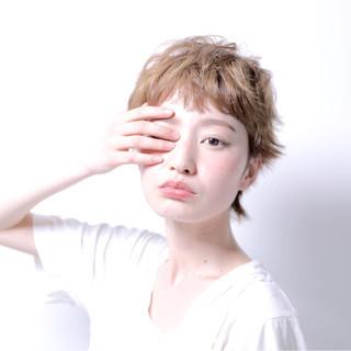 ワイドバング ショート アッシュ 外国人風 ヘアスタイルや髪型の写真・画像 ヘアスタイルや髪型の写真・画像