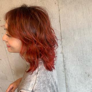 ストリート バレイヤージュ ヘアアレンジ コテ巻き ヘアスタイルや髪型の写真・画像