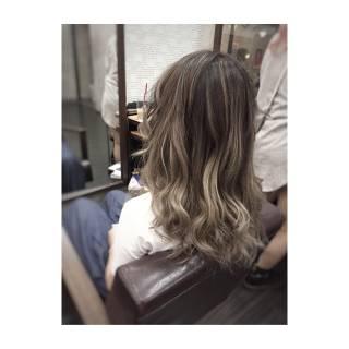 グレージュ ストリート ロング 外国人風カラー ヘアスタイルや髪型の写真・画像