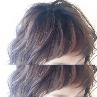 ミディアム 簡単ヘアアレンジ ハイライト アッシュ ヘアスタイルや髪型の写真・画像