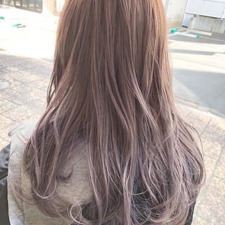 ピンクベージュ セミロング ダブルカラー イルミナカラー ヘアスタイルや髪型の写真・画像 ヘアスタイルや髪型の写真・画像