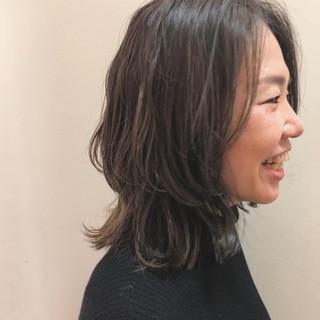 ミディアム ウルフカット 外国人風カラー ナチュラル ヘアスタイルや髪型の写真・画像