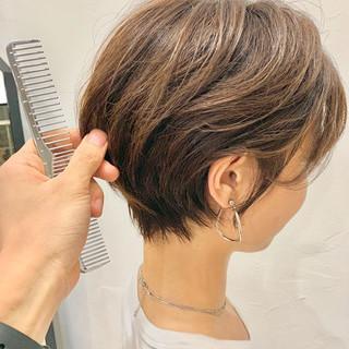 ナチュラル 小顔ショート ショート 簡単スタイリング ヘアスタイルや髪型の写真・画像