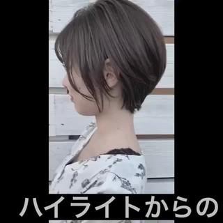 ショート ナチュラル 透明感カラー ハイライト ヘアスタイルや髪型の写真・画像