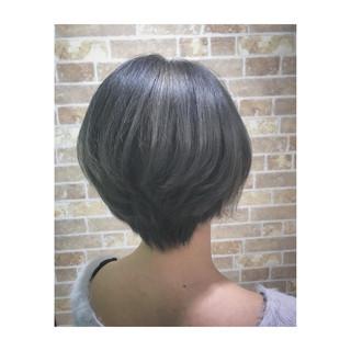 ブリーチ アッシュ 外国人風カラー モード ヘアスタイルや髪型の写真・画像 ヘアスタイルや髪型の写真・画像