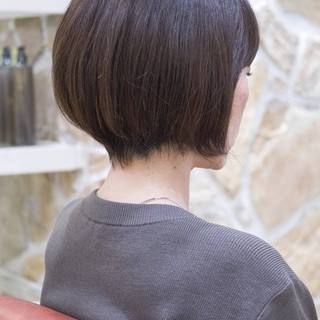 ショートカット ナチュラル 前下がり ショート ヘアスタイルや髪型の写真・画像