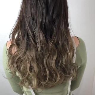ベージュ フェミニン 外国人風カラー グラデーションカラー ヘアスタイルや髪型の写真・画像
