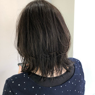 ナチュラル ベージュ イルミナカラー ミディアム ヘアスタイルや髪型の写真・画像