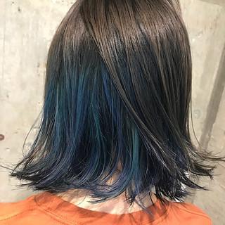 ブルー 個性的 ボブ インナーカラー ヘアスタイルや髪型の写真・画像