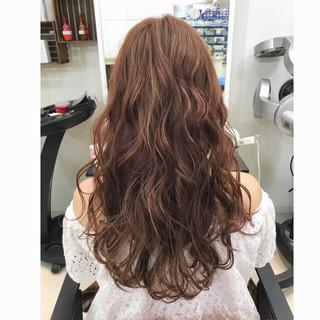ピンクブラウン ロング フェミニン 透明感 ヘアスタイルや髪型の写真・画像