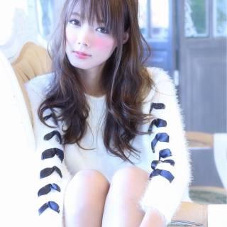 ガーリー 大人かわいい イルミナカラー フェミニン ヘアスタイルや髪型の写真・画像