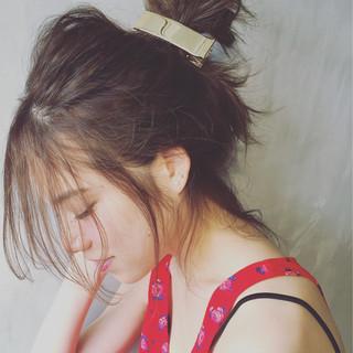 ショート 簡単ヘアアレンジ フェミニン 外国人風 ヘアスタイルや髪型の写真・画像