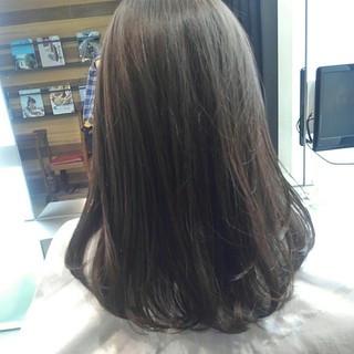 秋 アッシュ グレージュ ナチュラル ヘアスタイルや髪型の写真・画像