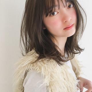 ミディアム 束感 アンニュイ 大人かわいい ヘアスタイルや髪型の写真・画像
