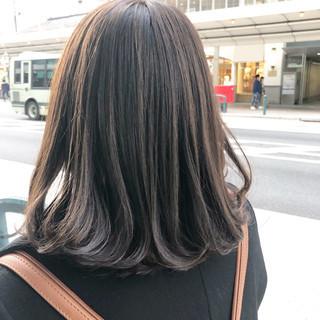 アンニュイほつれヘア ナチュラル まとまるボブ ミディアムレイヤー ヘアスタイルや髪型の写真・画像
