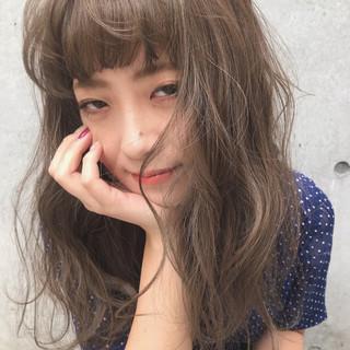 グレージュ ミルクティーグレージュ アッシュグレー アッシュベージュ ヘアスタイルや髪型の写真・画像