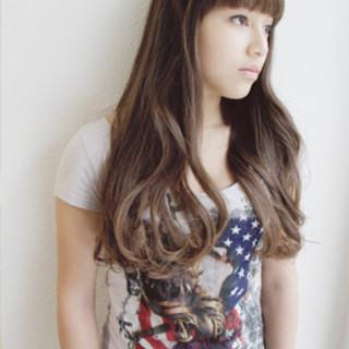 ロング 大人かわいい 外国人風 ナチュラル ヘアスタイルや髪型の写真・画像 ヘアスタイルや髪型の写真・画像