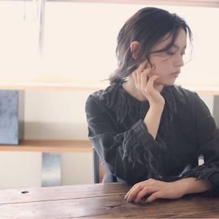 ルーズ アンニュイ ロング 束感 ヘアスタイルや髪型の写真・画像