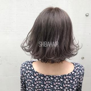 フェミニン アッシュ 黒髪 アッシュグレージュ ヘアスタイルや髪型の写真・画像