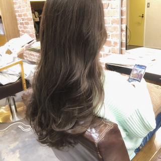 ラベンダーグレージュ ナチュラル イルミナカラー グレージュ ヘアスタイルや髪型の写真・画像