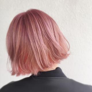 ストリート ピンク 外国人風 外ハネ ヘアスタイルや髪型の写真・画像