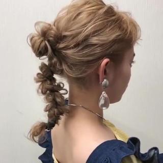 簡単ヘアアレンジ おしゃれさんと繋がりたい ヘアアレンジ フェミニン ヘアスタイルや髪型の写真・画像