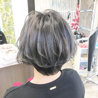 ショートボブ ベリーショート ショートヘア 切りっぱなしボブ ヘアスタイルや髪型の写真・画像