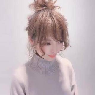 フェミニン ミディアム 簡単ヘアアレンジ 成人式 ヘアスタイルや髪型の写真・画像