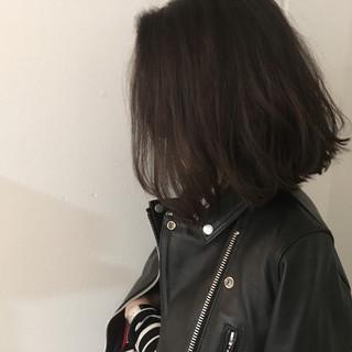 大人かわいい 外国人風 アッシュ 暗髪 ヘアスタイルや髪型の写真・画像