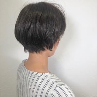 ナチュラル ショート オフィス パーマ ヘアスタイルや髪型の写真・画像
