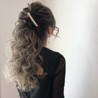 フェミニン ハーフアップ ヘアアレンジ パーティ ヘアスタイルや髪型の写真・画像