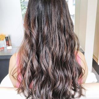 コンサバ アッシュグレージュ ウェーブ 夏 ヘアスタイルや髪型の写真・画像