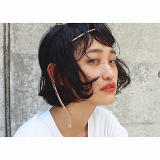ワイドバング ショート モード 黒髪 ヘアスタイルや髪型の写真・画像 ヘアスタイルや髪型の写真・画像