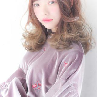 ガーリー グラデーションカラー 前髪あり ハイライト ヘアスタイルや髪型の写真・画像