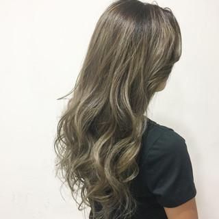 ハイライト ガーリー アッシュ グラデーションカラー ヘアスタイルや髪型の写真・画像