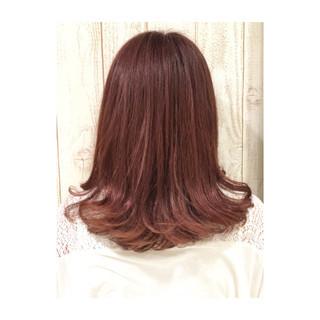 ピンク ラベンダーピンク ベージュ フェミニン ヘアスタイルや髪型の写真・画像